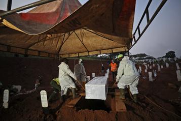 COVID-19 Le bilan de la pandémie dépasse les 993 000décès)