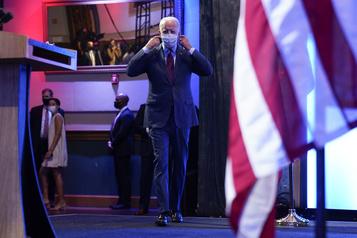 Cour suprême des États-Unis Biden accuse Trump de vouloir éliminer Obamacare)
