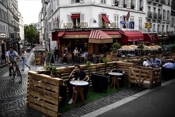 L'apéro sur palette de bois, dernier cri parisien)