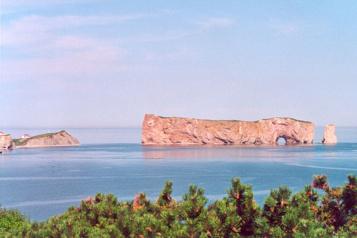 Reportages touristiques d'antan Les amoureux de la Gaspésie volent à son secours)