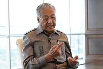 « Les musulmans ont le droit de tuer des Français»  Un tweet de l'ex-premier ministre malaisien retiré)