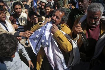 Yémen Blinken promet de «réexaminer» le classement des houthis comme groupe terroriste)
