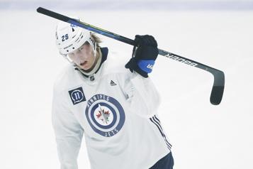 Jets Patrik Laine et Nate Thompson sur la liste des blessés)