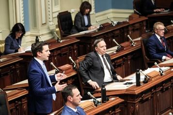 Assemblée nationale Feu vert au retour des députés au Salon bleu)
