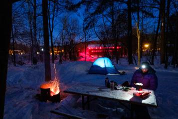 Camping, raquette, escalade L'hiver à fond)