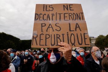 Professeur décapité en France Opérations contre la mouvance islamiste et la haine en ligne)