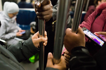 Le métro, un nid de bactéries et de levures