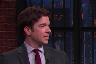Late Night with Seth Meyers John Mulaney s'ouvre sur sa désintox et la paternité)