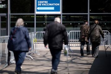 COVID-19 La vaccination s'ouvre aux 55ans et plus en France)