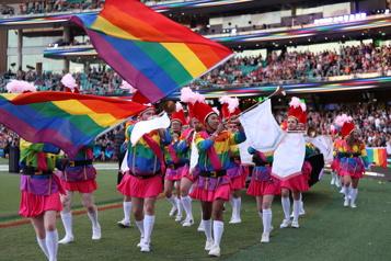 Australie Sydney tient la parade de la fierté dans son grand stade )