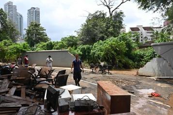 Indonésie Des inondations à Jakarta causent cinq morts)