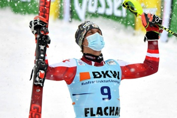 Coupe du monde de ski alpin Manuel Feller gagne le slalom de Flachau)