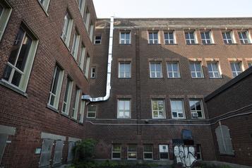 Qualité de l'air 1870 écoles n'ont pas de système de ventilation)