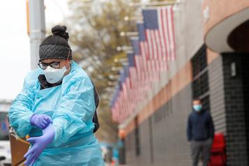 É.-U.: 1297 décès dus au coronavirus en 24 heures)