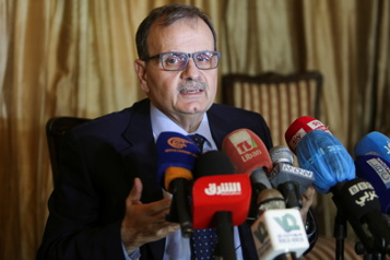 Liban Seize députés vaccinés avant leur tour, l'aide internationale menacée)