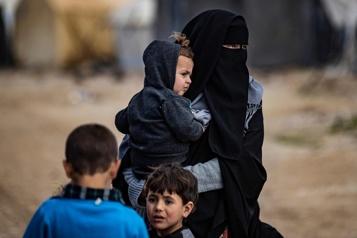 Ottawa sommé de rapatrier des enfants canadiens coincés en Syrie)