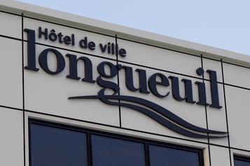 Les deux partis d'opposition fusionnent à Longueuil )