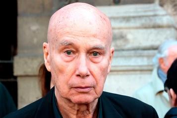 Matzneff sera jugé pour «apologie» de pédophilie, la police cherche ses écrits non publiés