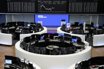Les Bourses mondiales prudentes avant l'inflation américaine)