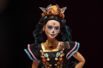 Barbie célèbre le Jour des morts