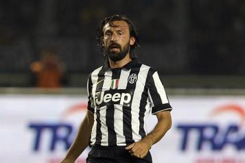 Andrea Pirlo remplace Maurizio Sarri à la barre de la Juventus)