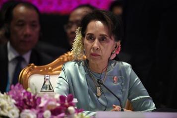 Birmanie L'ex-dirigeante Aung San Suu Kyi inculpée pour corruption)