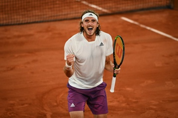 Roland-Garros Tsitsipas remporte le choc contre Medvedev)