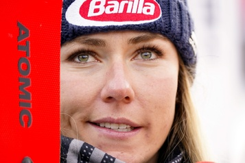 COVID-19 Mikaela Shiffrin ne fera pas le Super-G en Suisse cette fin de semaine)