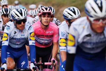 Tour d'Italie Joao Almeida se défend avec panache)