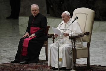 Le pape François appuie les unions civiles homosexuelles)