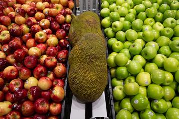 Frais imposés par les supermarchés Québec rallie toutes les provinces)