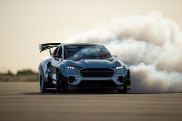 Ford concocte unbolide de course électrique qui décoiffe)