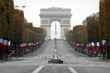 Les Champs-Élysées seront transformés en «jardin extraordinaire»)