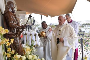 À Maurice, le pape s'inquiète pour les jeunes, sacrifiés de l'économie