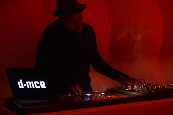 Le DJ D-Nice fait danser les confinés