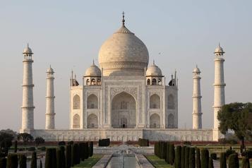Taj Mahal: la pollution ne décourage pas les touristes