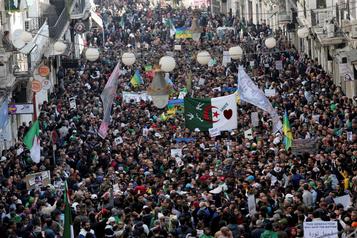 La pandémie a freiné les manifestations en Afrique du Nord et au Moyen-Orient)