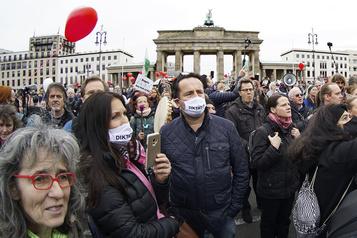 Allemagne Les comparaisons des antimasques avec le nazisme dénoncées )