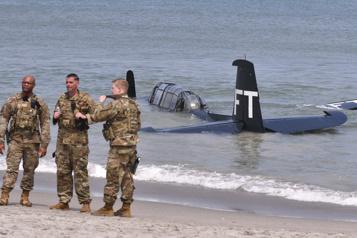 Amerrissage d'urgence pour un avion de la Seconde Guerre mondiale en Floride)