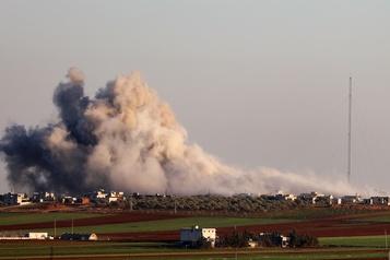 Syrie: quatre écoles bombardées, les cours suspendus dans tout Idlib