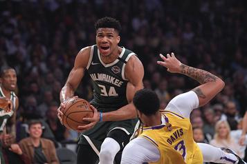 Les Bucks de Milwaukee ferment leur complexe)