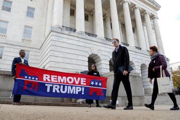 Destitution: Trump «envisage» de témoigner dans l'enquête