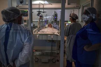 COVID-19 L'Amérique latine et les Caraïbes restent l'épicentre de la pandémie)