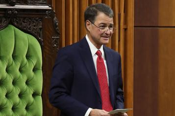 Chambre des communes Le calme du président l'aide à diriger les élus)