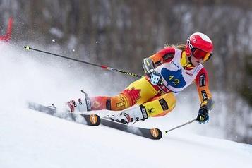 Coupe du monde de ski alpin Valérie Grenier réussit son retour à la compétition )