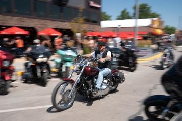 Près de 250000motocyclistes attendus au Dakota duSud en dépit du virus)