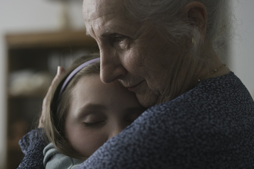 Un prix à Cannes pour Claire et les vieux)