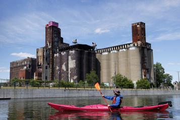 Le Québec dans tous ses éléments En kayak sur le canal)