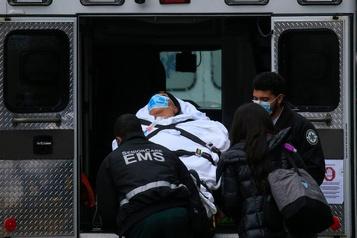 COVID-19 Record d'hospitalisations aux États-Unis, dans l'attente des vaccins)