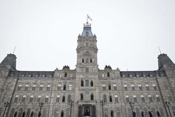 Pas de retour à l'équilibre budgétaire au Québec avant 2025-2026)